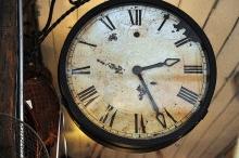 antique-clock-1445354221G4a