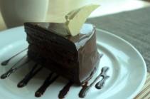 chocolate-cake-14033387428KE.jpg